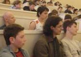 Участники слушают докладчиков на мастер-классах в рамках конкурса.
